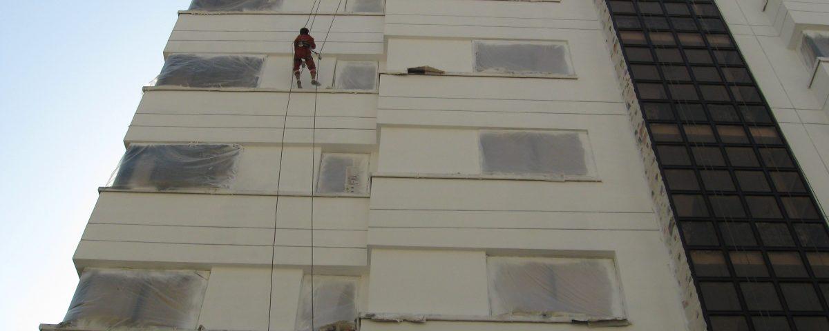 رنگ کاری نمای بیرونی ساختمان در تهران و کرج